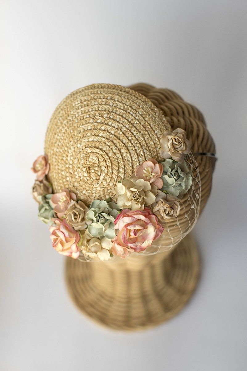 Tocado casquete de paja con flores Natural - ThePoppy.net ... d1faeeec17d