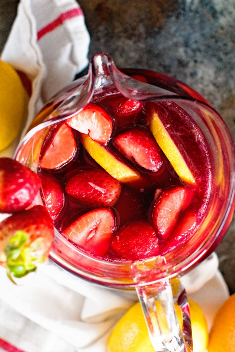Easy Sangria Recipe is perfectly sweet and fruity!