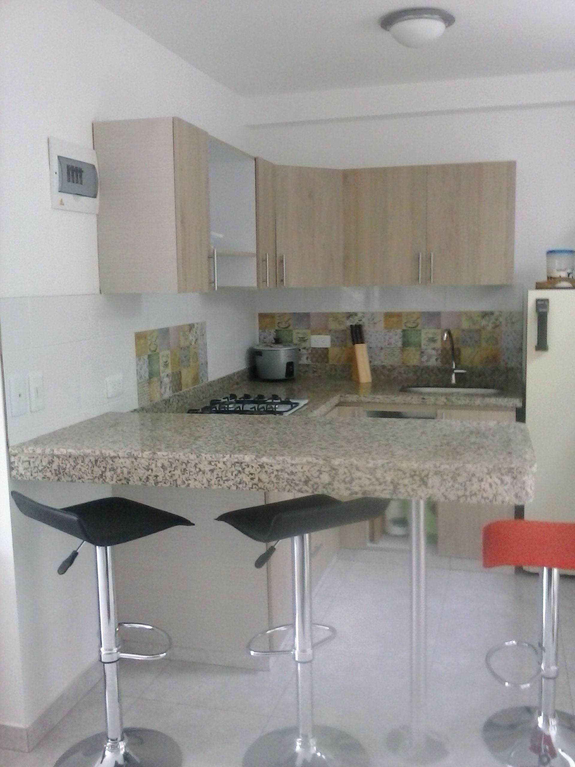 Fabricada por c g arte y decoraci n mes n en granito for Barras de granito para cocina