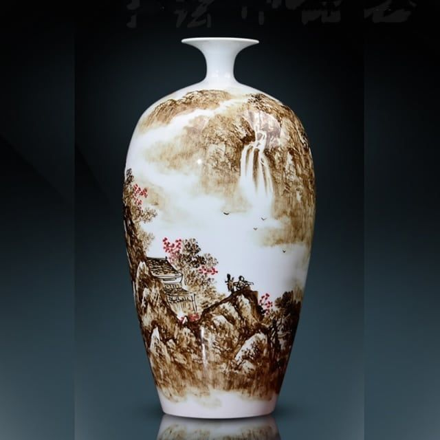 Hand painted porcelain vase by master Zhaoyaobing in Jingdezhen,with the painting