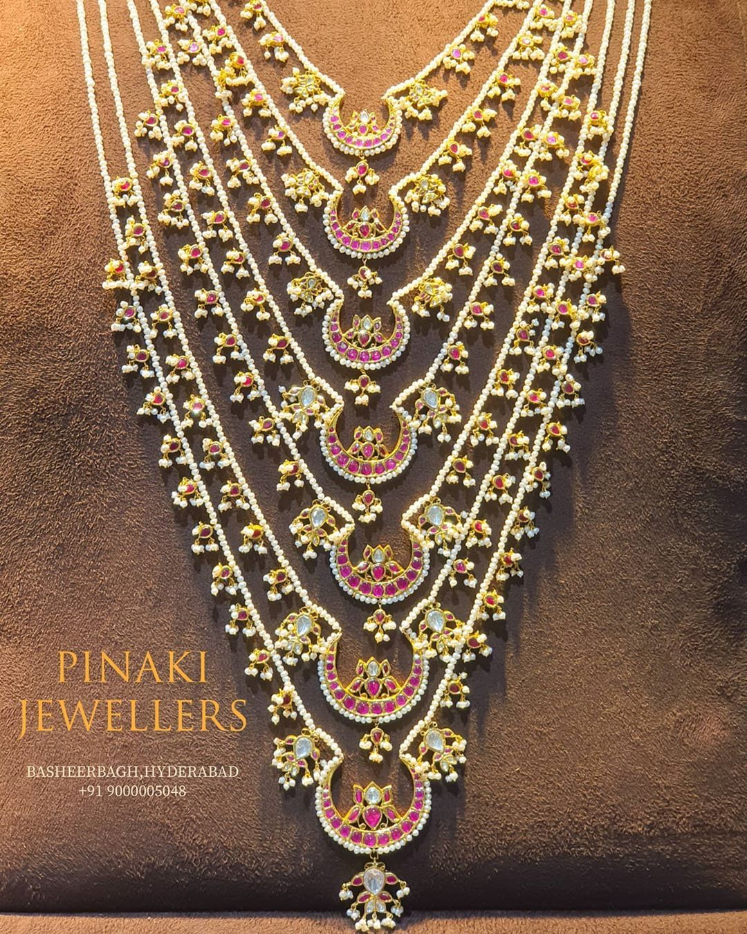 40 Likes 8 Comments Pinaki Jewellers Pinakijewellers On Instagram Old Is Gold This In 2020 Gold Jewelry Fashion Antique Jewelry Indian Antique Bridal Jewelry