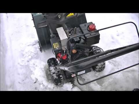 How to Properly Start A Snowblower - YouTube