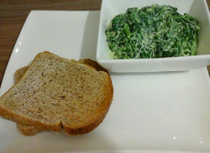 Hot spinach and smoked cheese with wholemeal toast