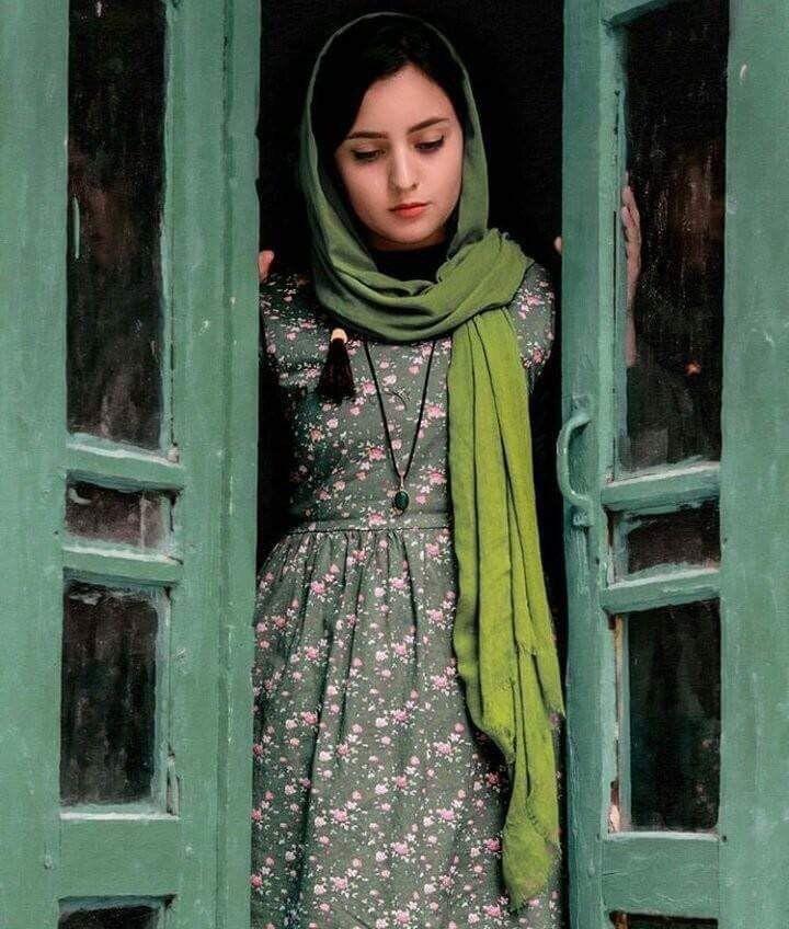 Pin By Afsoon Afz On Iran Iranian Girl Iranian Women Fashion Persian Fashion