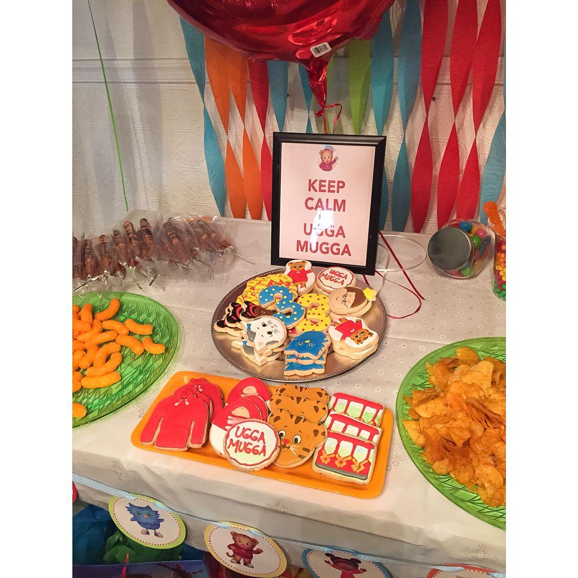 pbs kids danielle tiger u0027s neighborhood snack bar daniel tiger