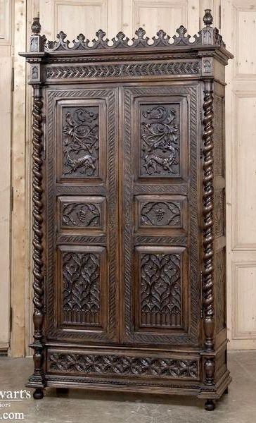19th century gothic armoire gothic pinterest schrank - Antike schlafzimmermobel ...