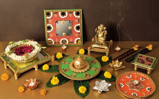 Traditional wedding gifts for indian bride