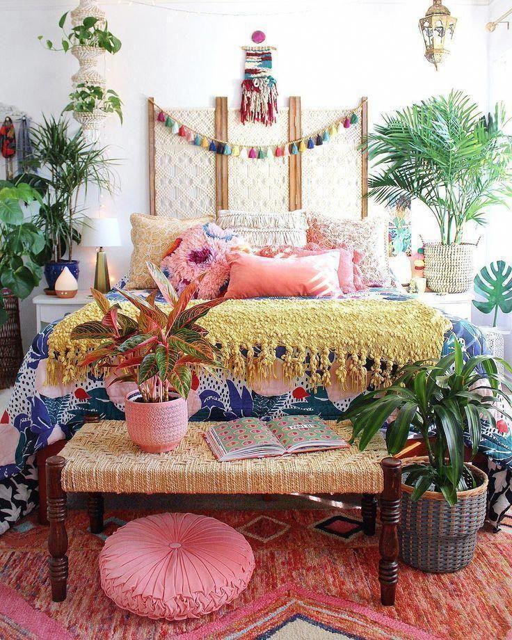 Fall in love with the behind the scenes of these interior designers work | www.delightfull.eu #bohemiandecor #bohemianbedroom #bedroomideas #colorfuldecor #bohodecor #bohobedroom #globaldecor #tropicaldecor #islanddecor #ModernHomeDecorBedroom #bohohomedecor
