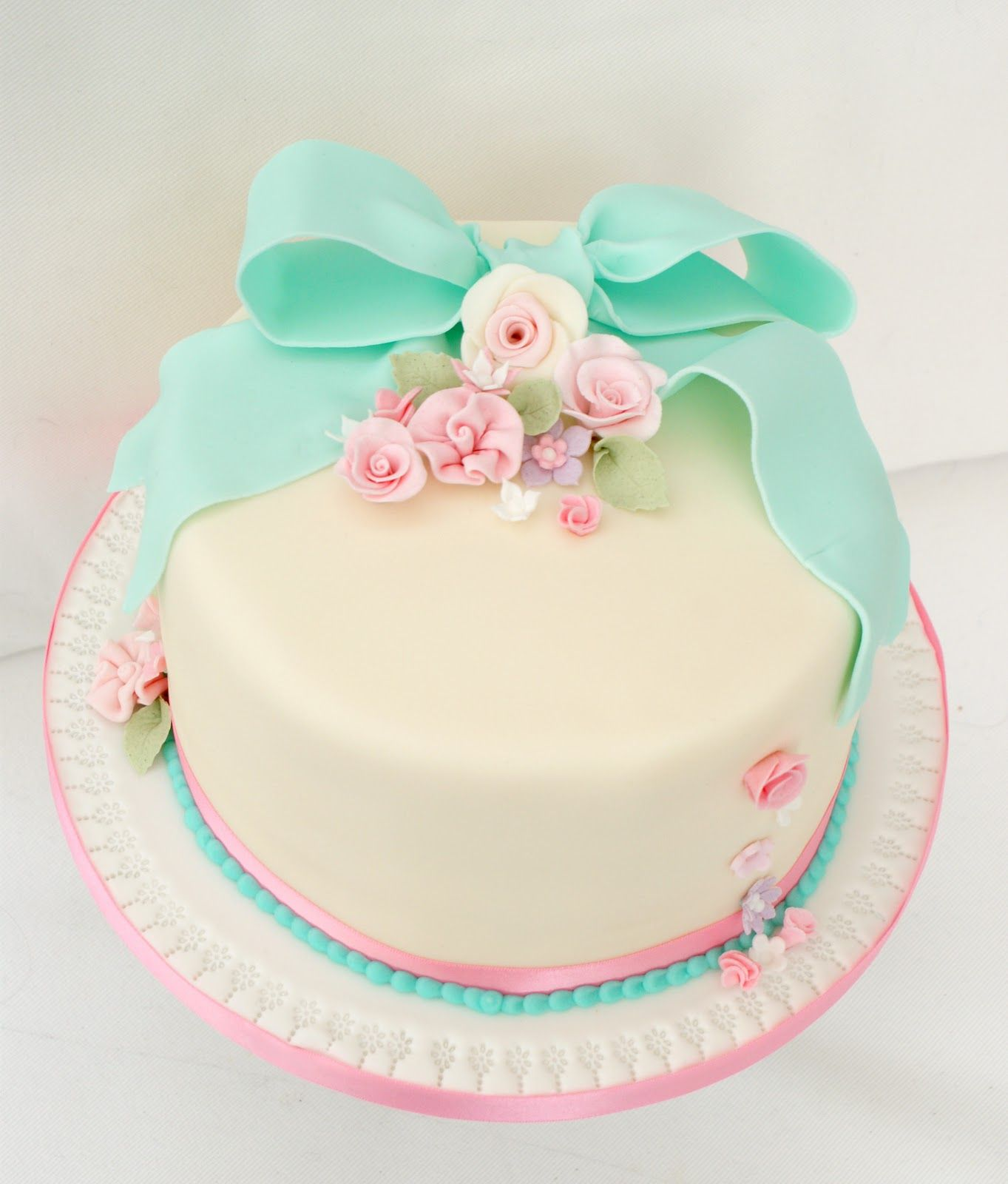 Shabby Chic Decorating teaching a shabby chic cake ...