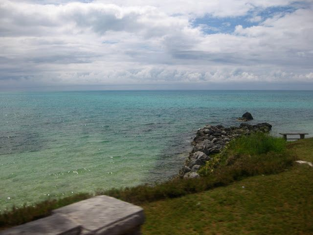 Bermuda: limestone cliffs and pink sandy beaches ~ A Passion and A Passport | A Travel and Adventure Blog