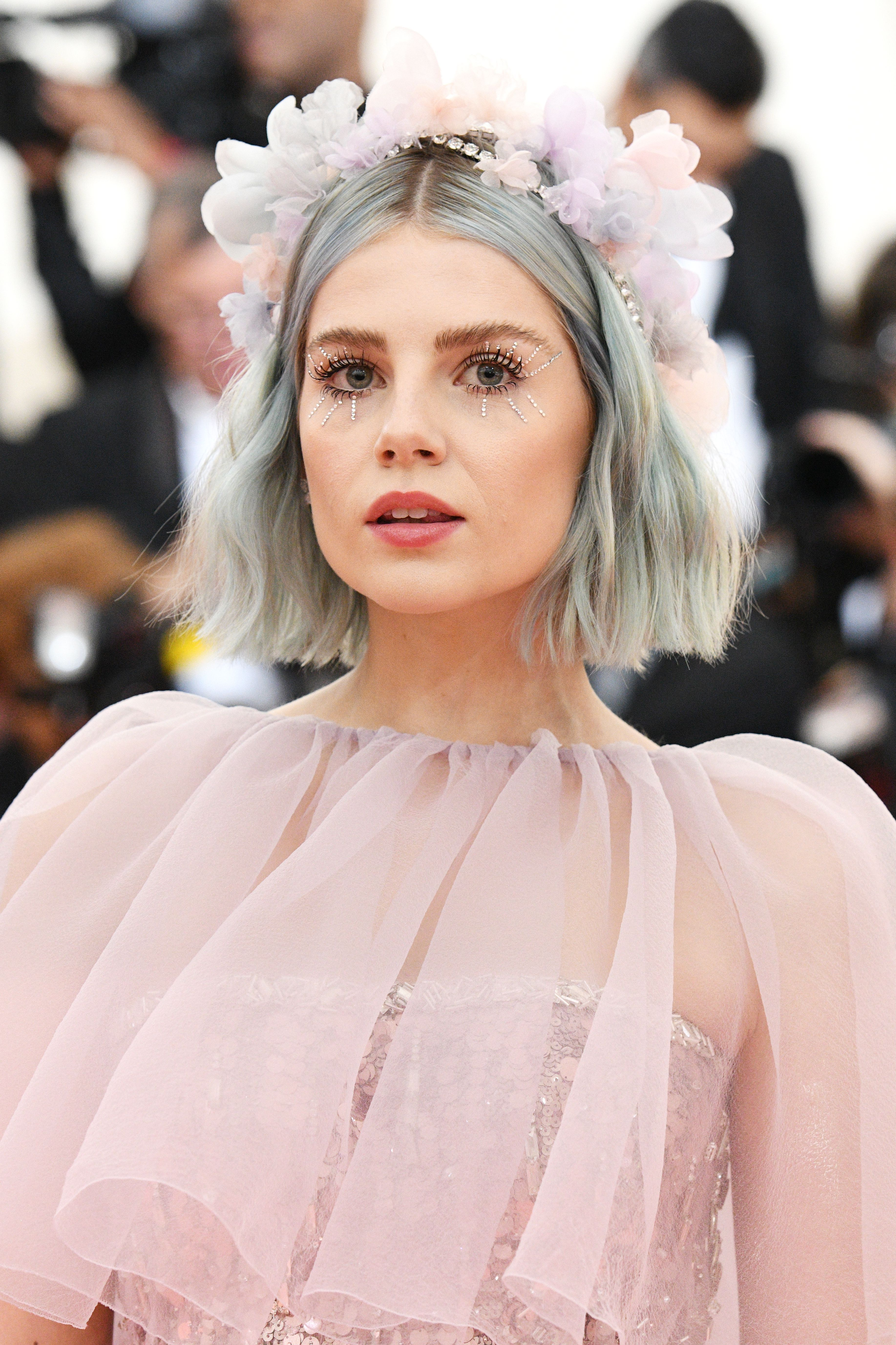 19 A Listers Who Ve Rocked The Blue Hair Trend 2019 Update
