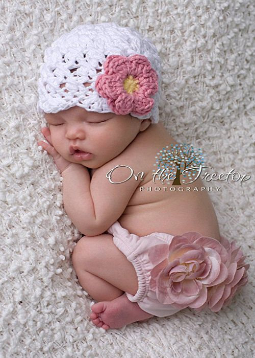 25be5d130 NEWBORN Hat, 0 to 1 Months Baby Girl Hat, Baby Crochet Flapper Beanie,  White with Rose Pink and Yellow Flower. Great for Photography Props | Vicki  | Cosas ...