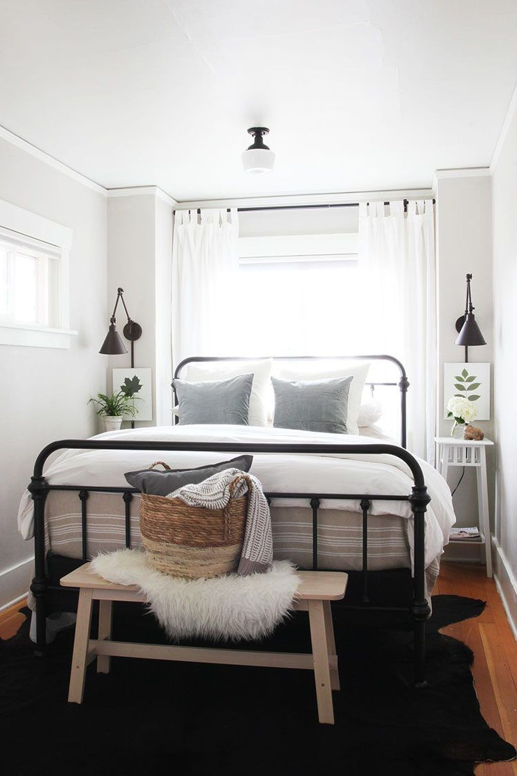 20+ Minimalist Bedroom Decorating Ideas For Small Spaces - COODECOR