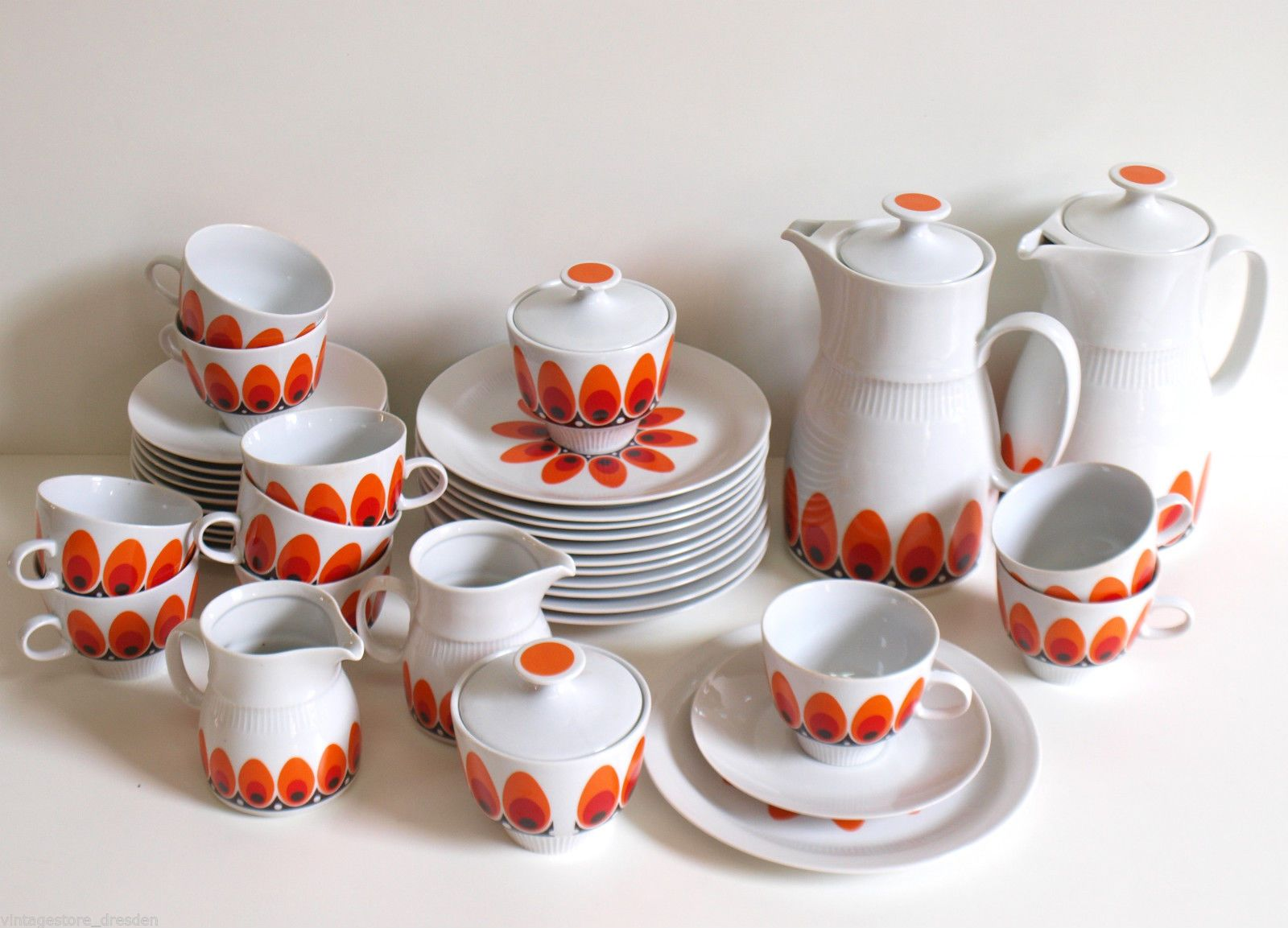 Pin Auf East German Ddr Tableware Design