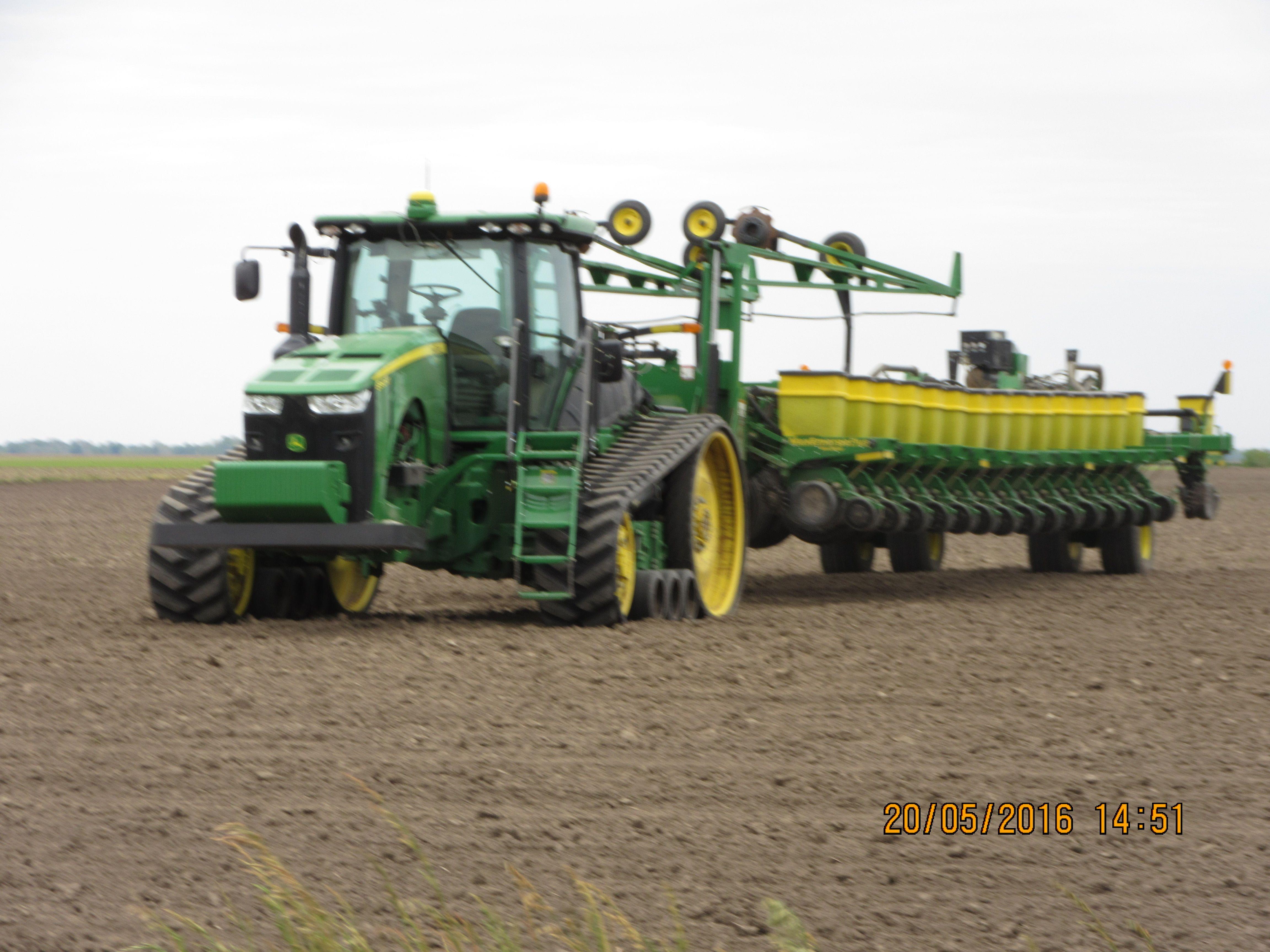 John Deere 8360rt Pulling A 36 Row Max Emerge Corn Planter John