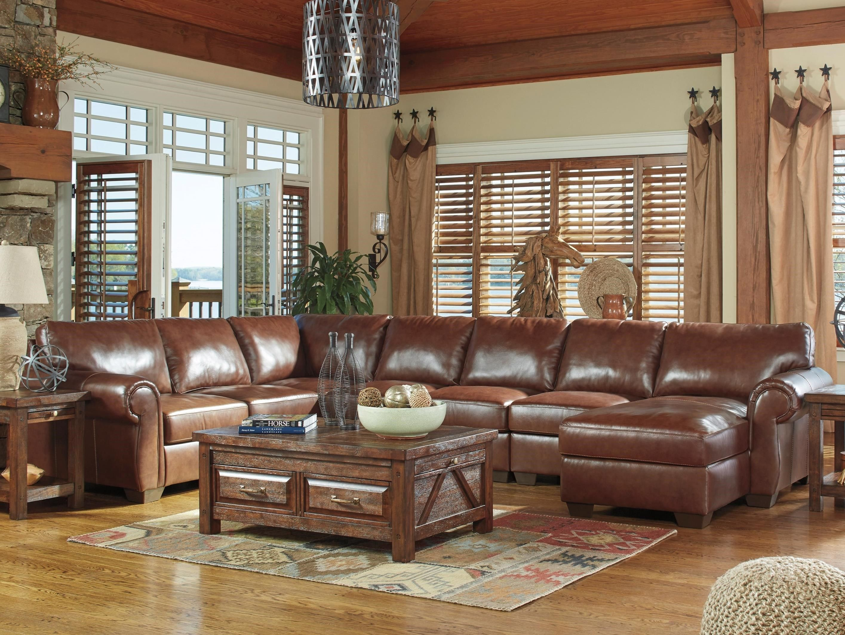 Lugoro 5Piece Sectional with Right Chaise by Signature Design by
