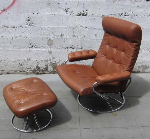 Ekornes Only 179 Craigslist Eames Lounge Chair Mid Century Couch Teal Walls