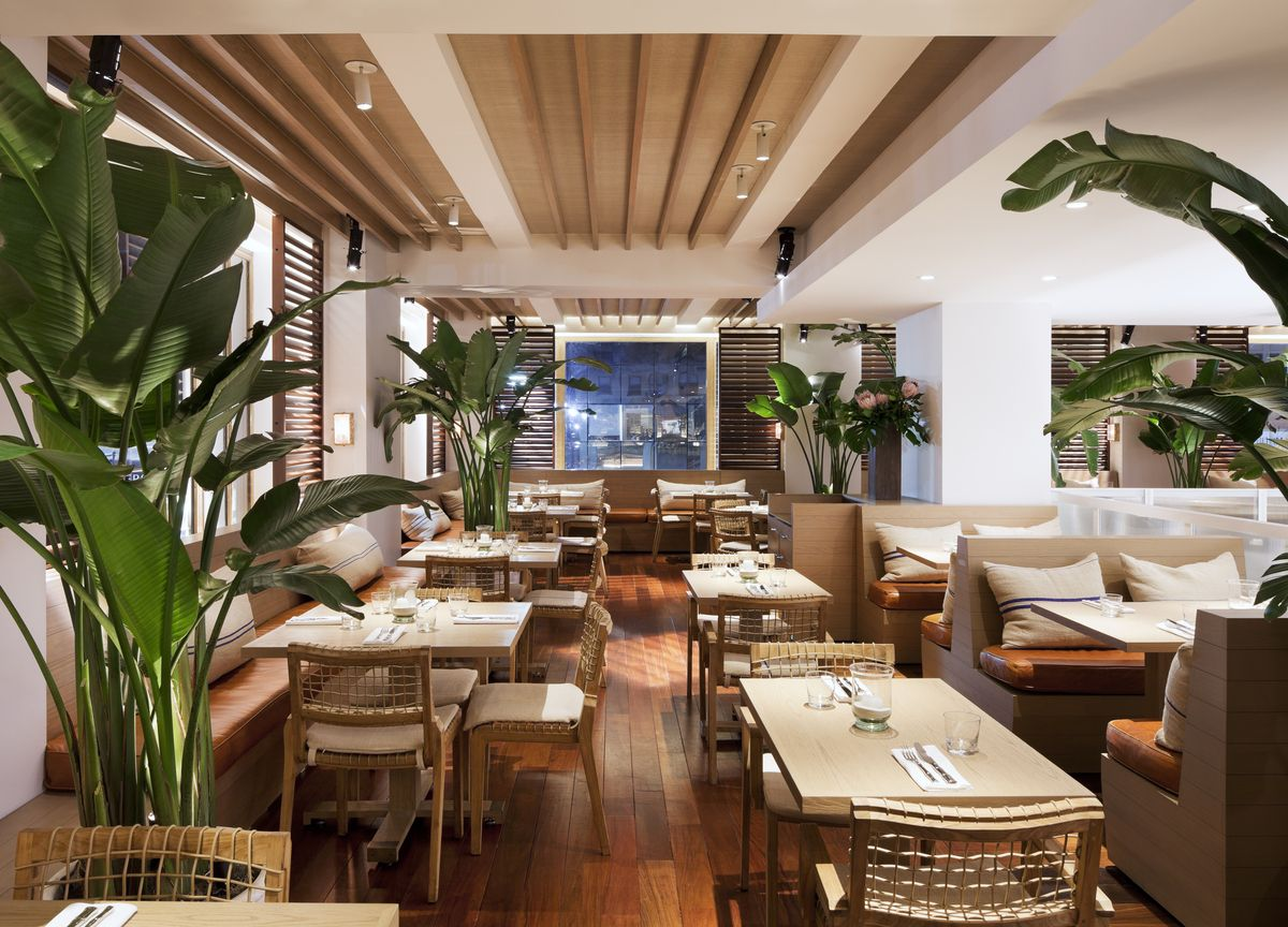 Tommy Bahama Flagship Store, Restaurant and Bar | MNA (Michael Neumann Architecture) | Archinect