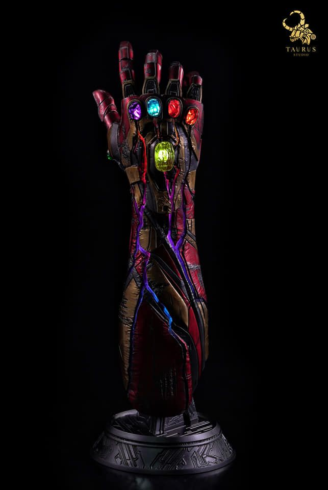 This Iron Man's Battle Damaged 1:1 Scale Light-Up Nano Gauntlet Is A Worthy Centrepiece | Geek Culture