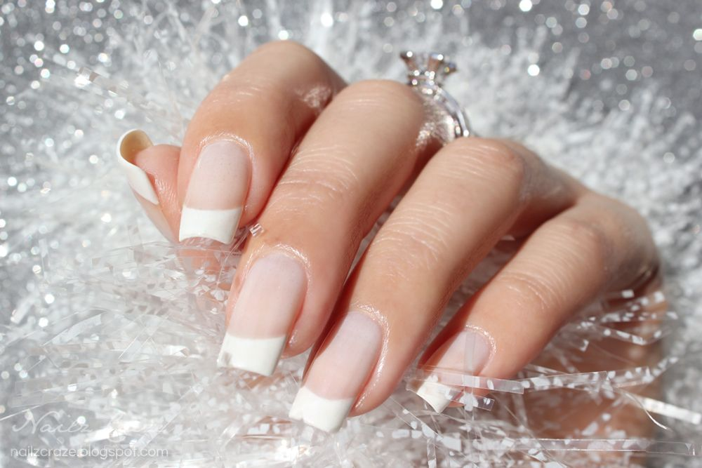 French manicures are a classic look for both standard and latin 10 super easy french tips manicures you can do yourself solutioingenieria Images