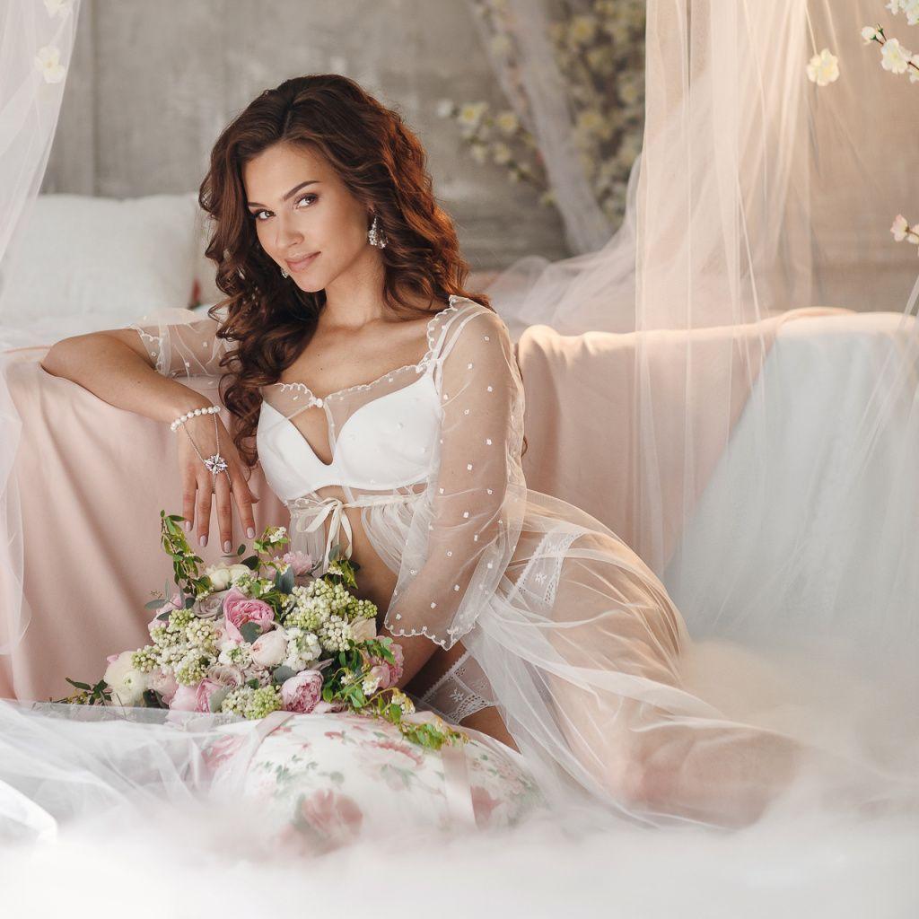известна своими фото невест дома отличном