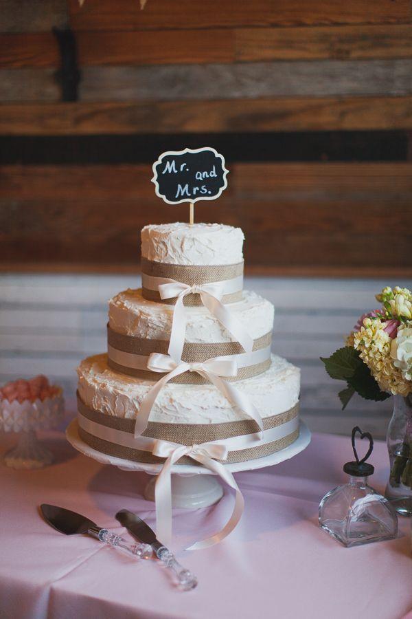 Pink Texas Wedding From Loft Photographie Burlap CakesBurlap