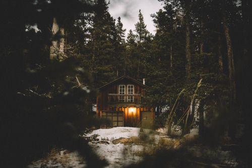 Resultado de imagen de cabin in the woods tumblr snow