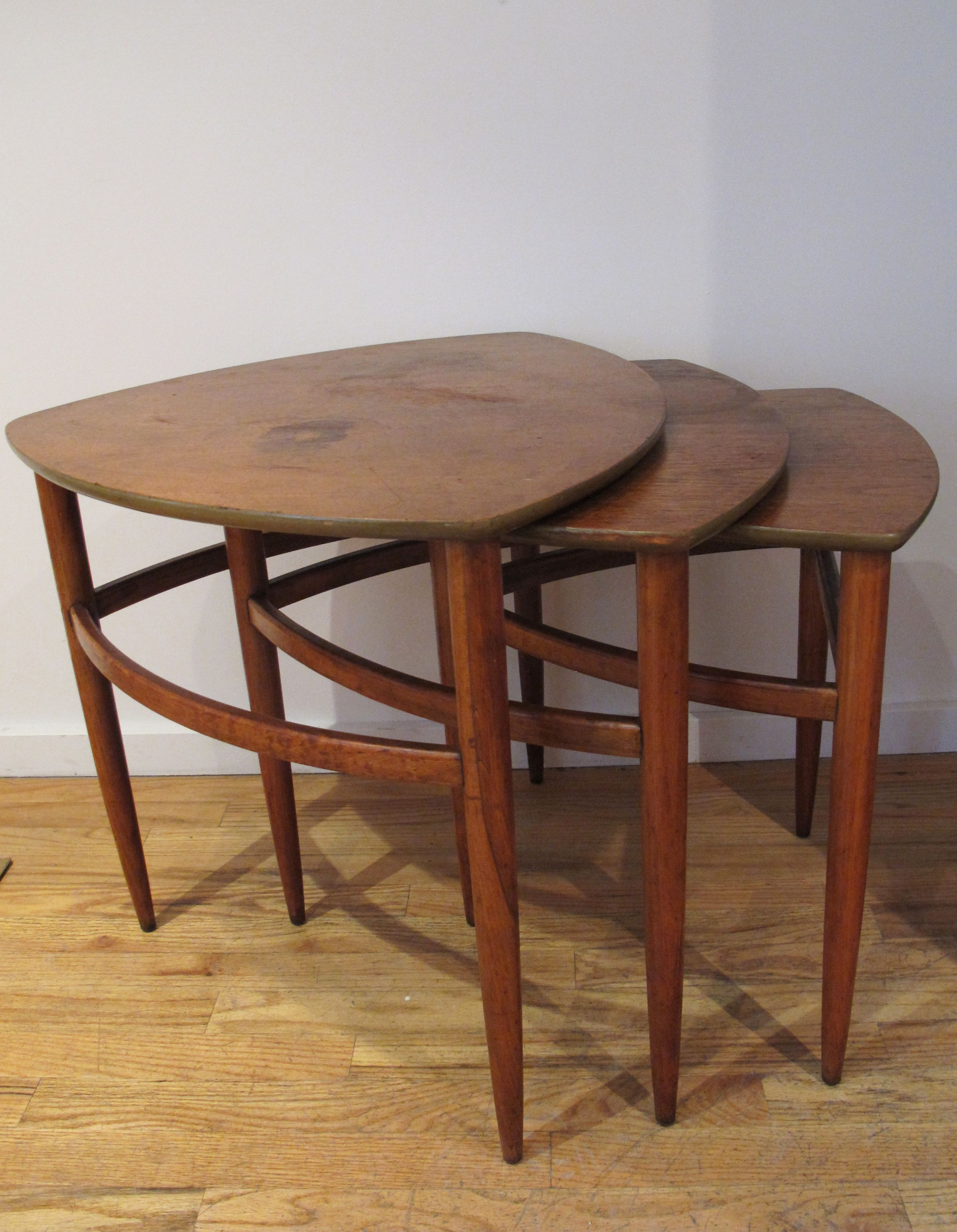 SET OF MID CENTURY NESTING TABLES BY MORGANTON