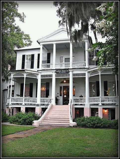 A classic beauty the cuthbert house inn a beaufort for Beaufort sc architects