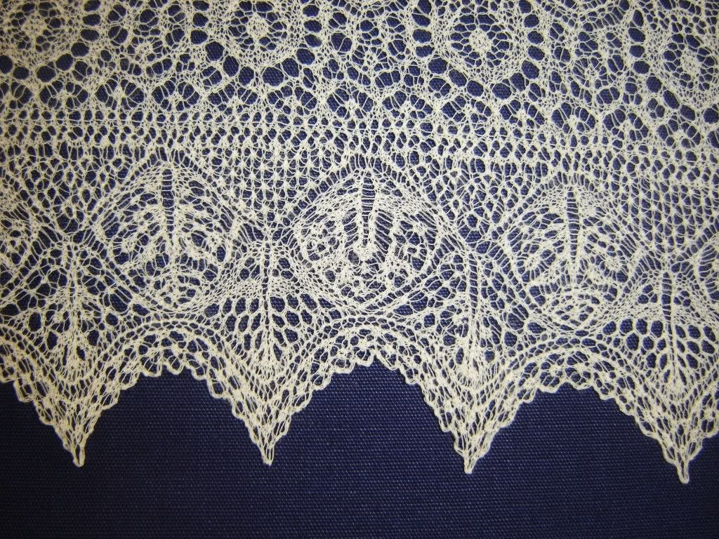 Shetland Lace - Miss Hamiltons Gift. What an incredible lace border! h...