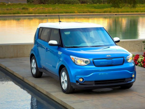 Kia Soul Ev Joins Electric Car Ranks Cnet Kia Soul Kia Kia Motors