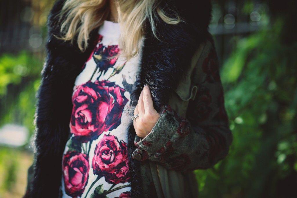 Floral sweatshirt.