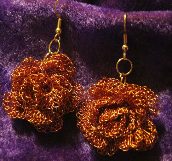 These are copper wire rose earrings that I crocheted out of reclaimed copper wire.  I have started making use of materials that would otherwise be thrown out to create beauty and...