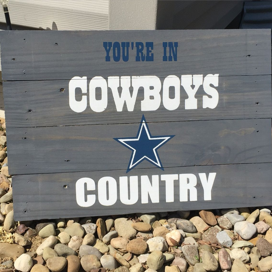 wood stained dallas cowboys pallet sign mancave wood stained dallas cowboys pallet sign mancave boyfriendgiftideas pallets