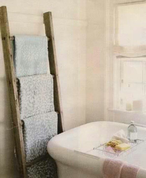 How to Decorate with Vintage Ladders {20 Ways to Inspire