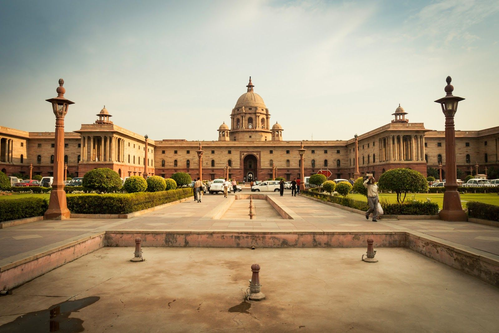 The Secretariat Building Or The Central Secretariat Is Where The Cabinet Secretariat Is House It Was Built In The 1910 S And I Indian Architecture India Delhi