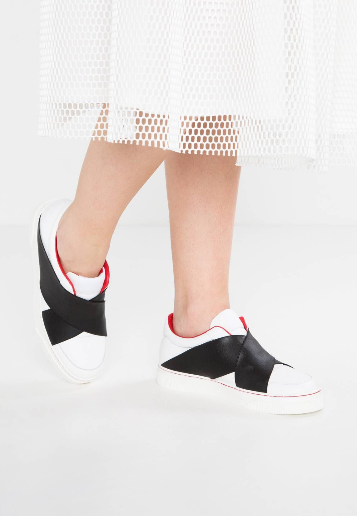 Bianco Slip-ons - red