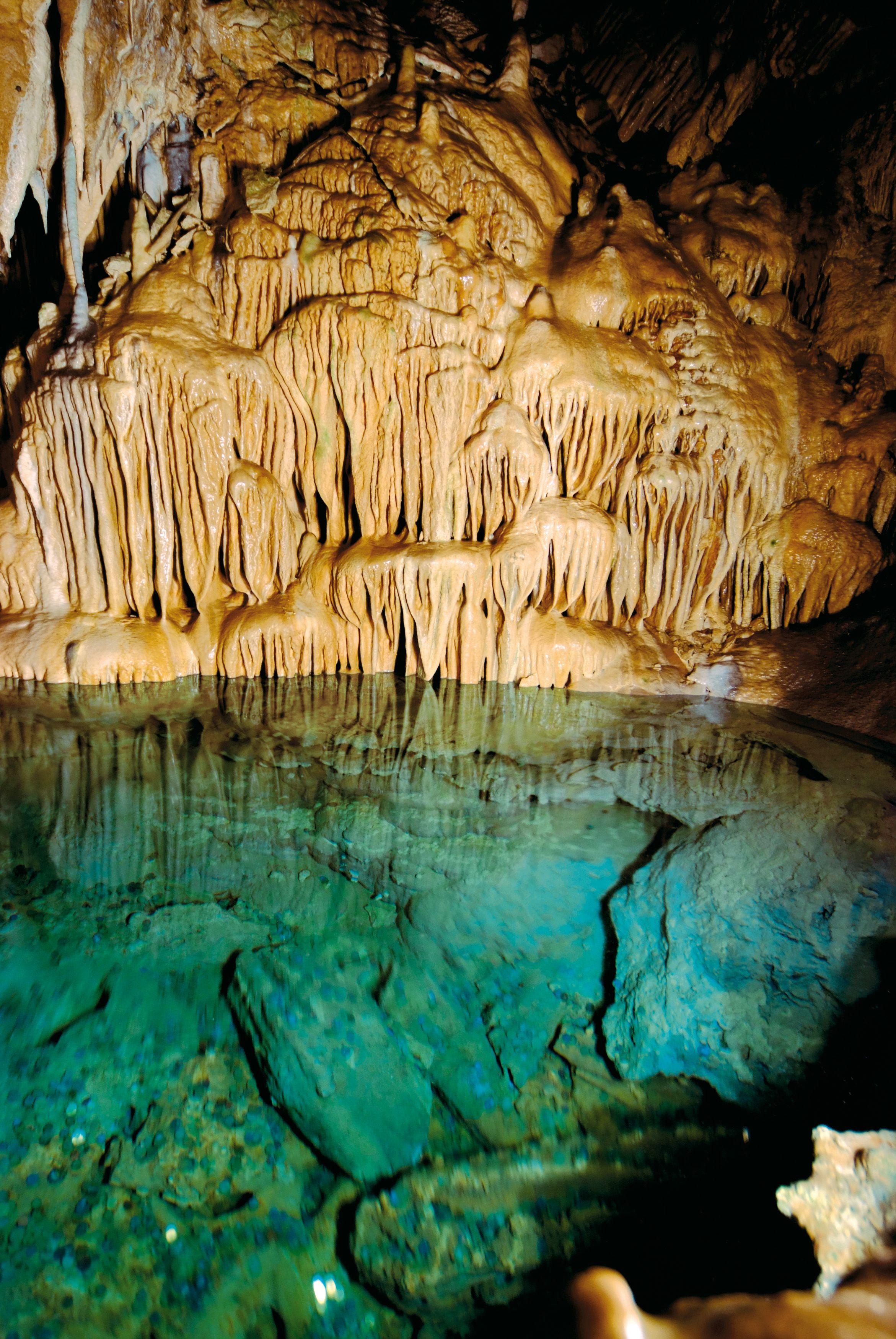 Cool Dechenh hle Tropfsteinh hle und Deutsches H hlenmuseum Germany Letmathe Dechen Cave