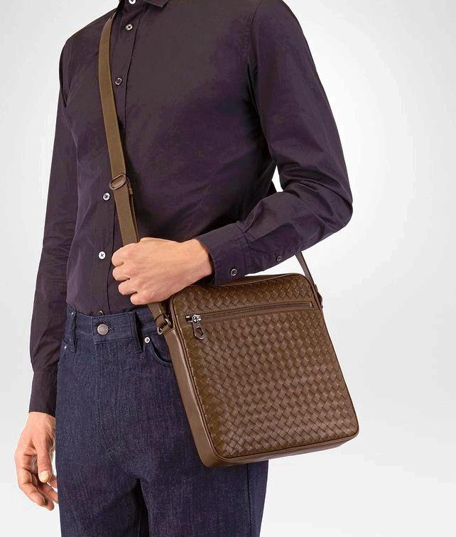 a01c1e7ed9ac BOTTEGA VENETA ESPRESSO INTRECCIATO MESSENGER BAG Messenger Bag U fp0   Handbags
