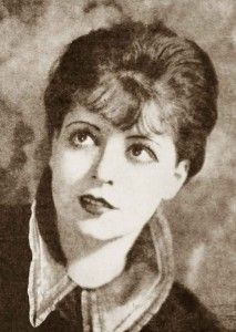 1920s Hairstyles - New Bobbed Hairstyles for 1925 #1920shairstyles