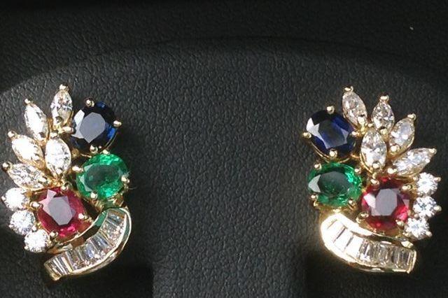 Ladies Ruby Emerald Blue Sapphire Diamond Earrings In 18k Yellow Gold Sapphire And Diamond Earrings Diamond Jewelry Designs Diamond Earrings Studs Round
