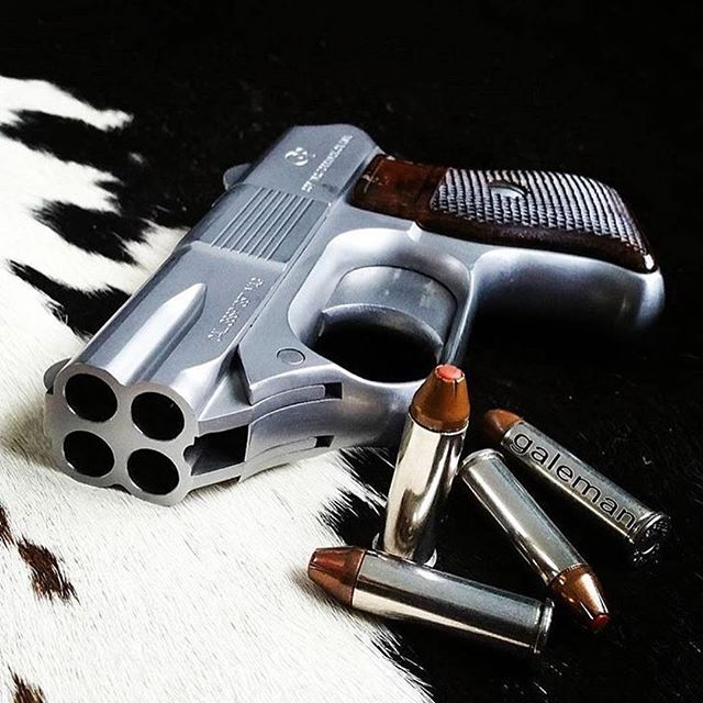 uncle_bad_ass from @gun ・・・ COP 4 Barrel Derringer 👌 We