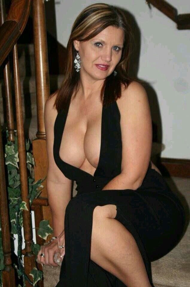 Sexy Older Mom Pics