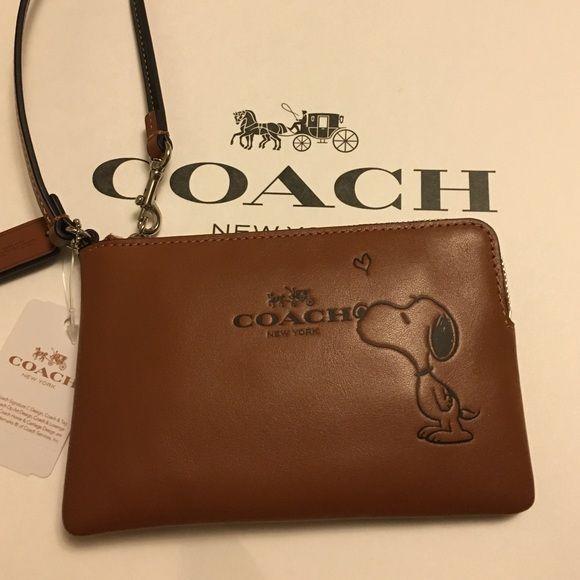 Authentic Coach wristlets Brand new Snoopy corner Zip Leather Wristlets Coach Bags Clutches & Wristlets
