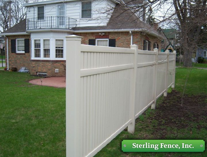 Westech Vinyl Fencing Railing System Minneapolis Mn Fence Contractor Vinyl Fence Fence Contractor Fence