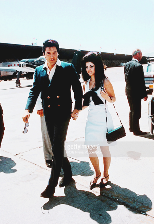 Elvis and Priscilla Presley photographed at McCarran ...