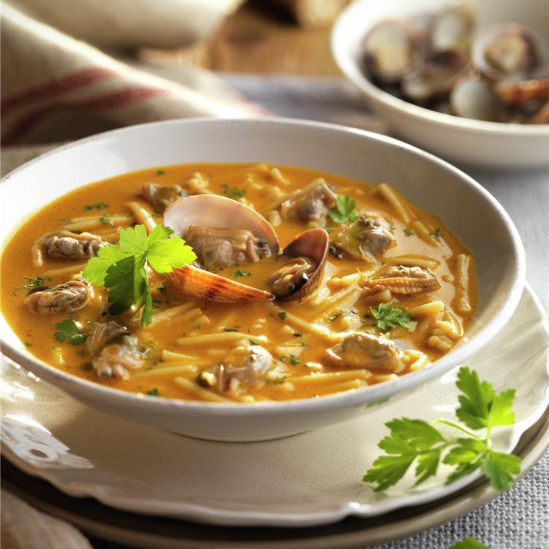 Sopa De Fideos Con Almejas Receta Sopa De Fideo Sopa De Pescado Facil Sopa De Almejas
