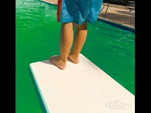 How To Fix A Green Swimming Pool Swimming Pool Tips Tricks