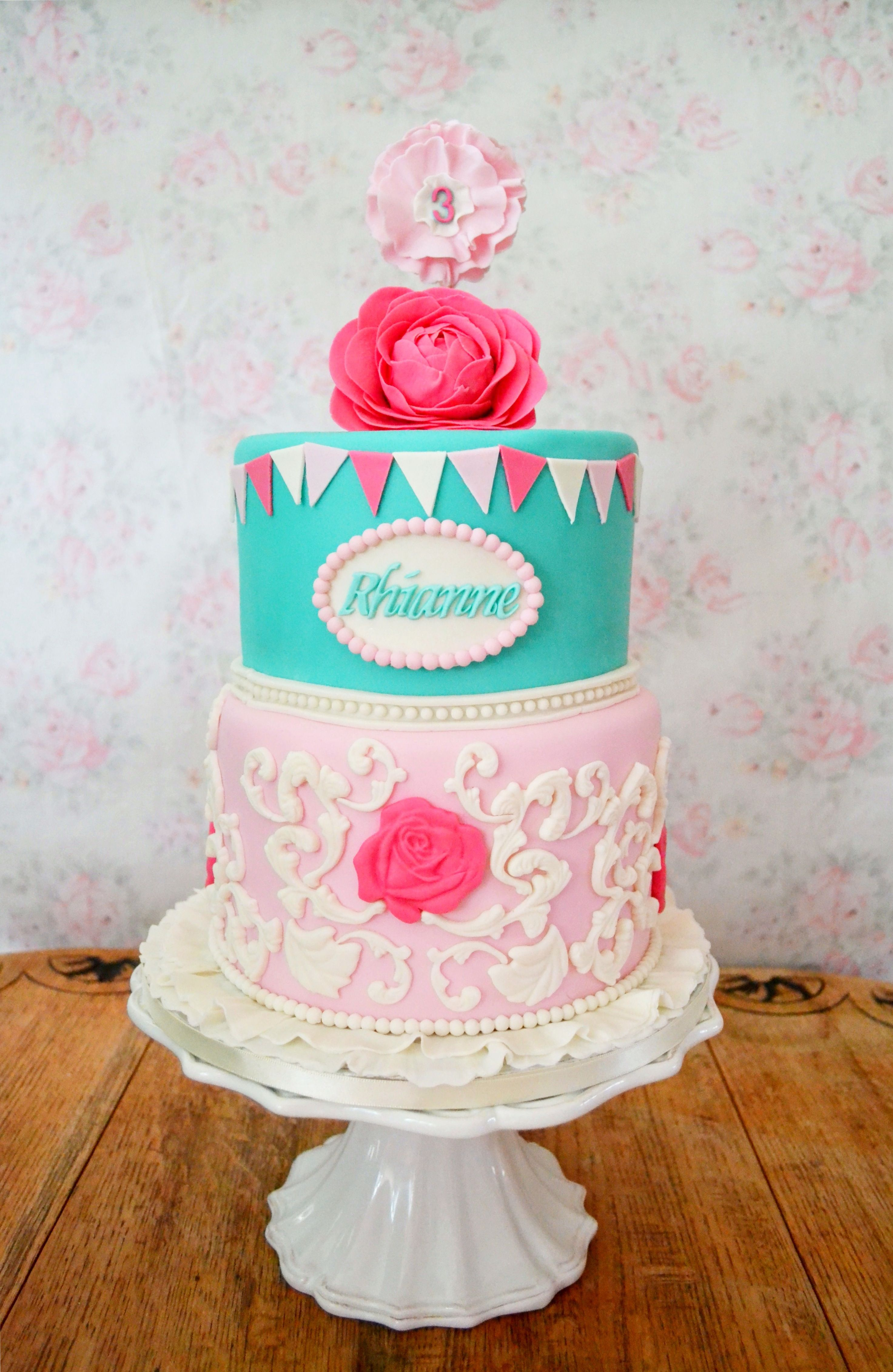 A Girly Girl Shabby Chic Inspired Birthday Cake Vintage Love At Its Best Yumnumscouk