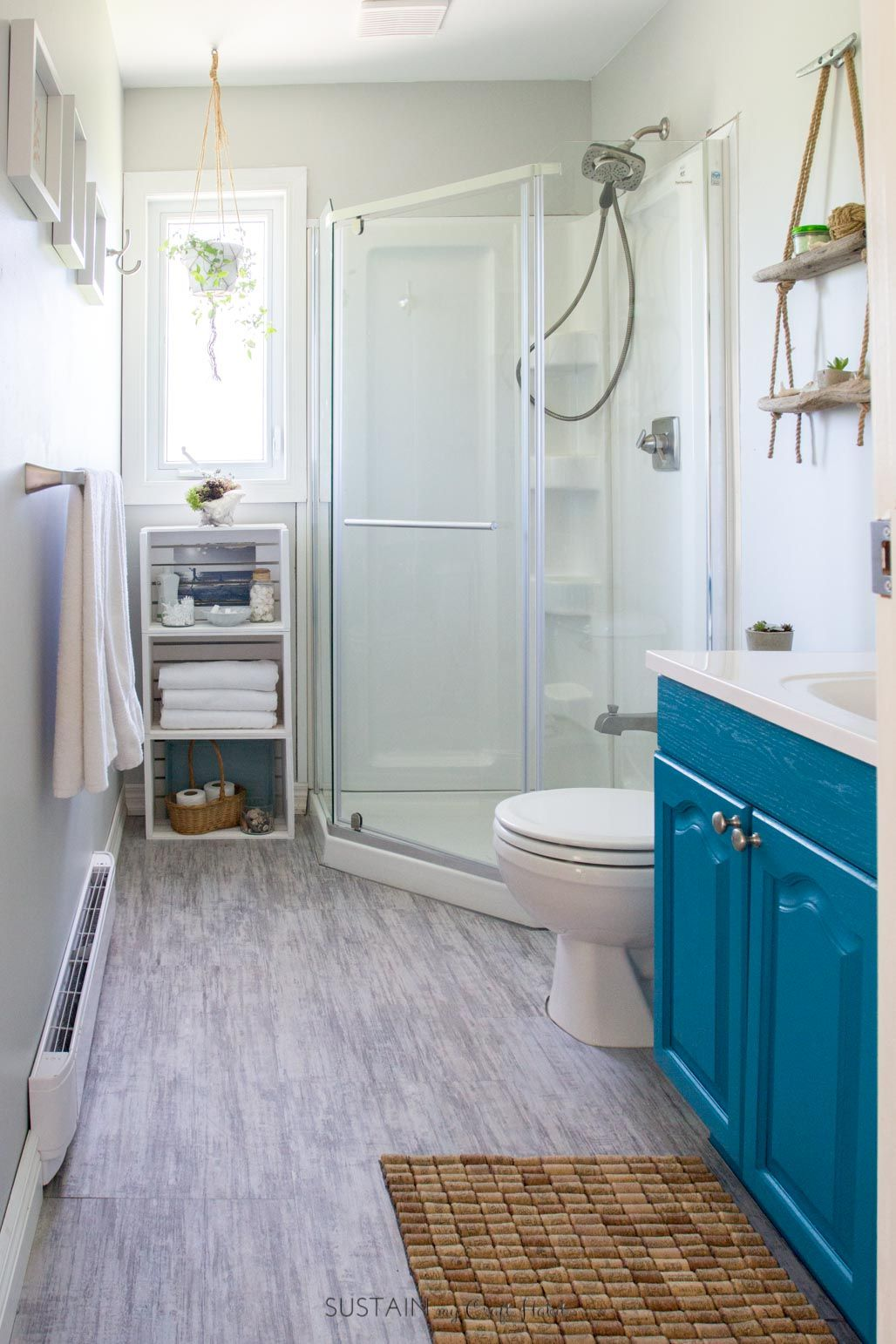 Can\'t get over the transformation of this small bathroom into a ...